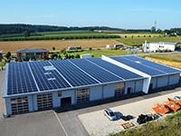 Photovoltaikanlage auf Autohaus