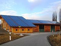 Photovoltaik auf Holzhaus